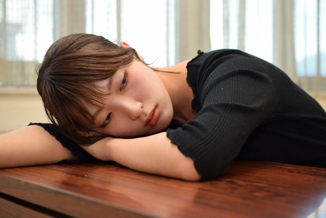 眠い 女性