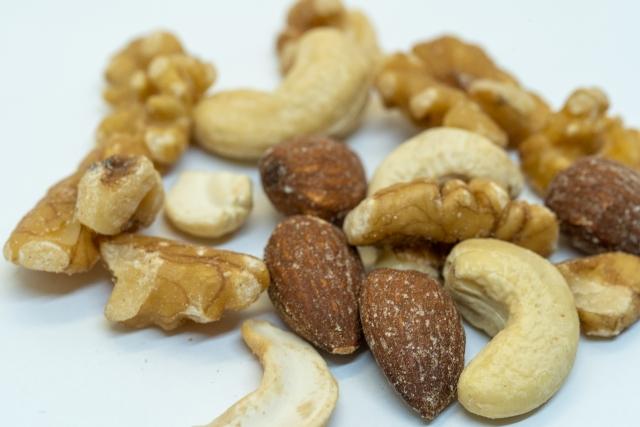 ビタミンEを多く含むナッツ類