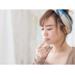 唇を触る女性_instagram